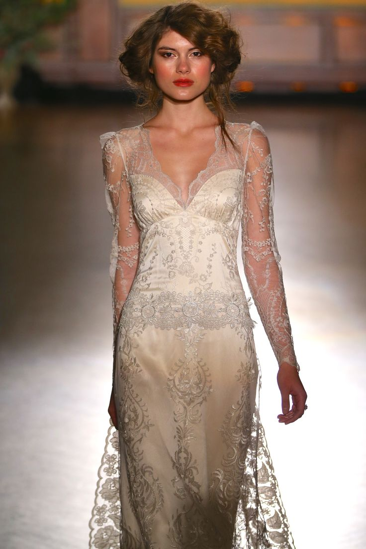 Claire pettibone 39 sinclair 39 wedding dress fall 2016 for Wedding dress claire pettibone