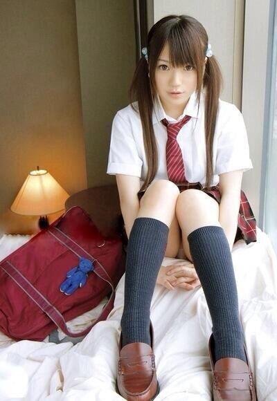 japanese-glue-girl-fetish-teen-girl-bed-comforters