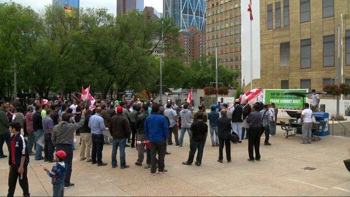 awesome Canadian News - Competing protests over Israel-Palestine conflict fail to realize violence fears in Calgary #News in #Canada Check more at http://sherwoodparkweather.com/canadian-news-competing-protests-over-israel-palestine-conflict-fail-to-realize-violence-fears-in-calgary-news-in-canada/