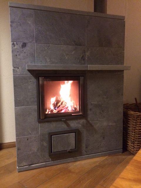 De nieuwe speksteenkachel Latus van NunnaUuni brandt prachtig, blijft lang warm en is een plaatje voor het oog. www.haardenimport.nl