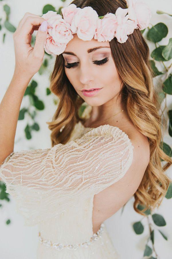 glam wedding makeup - photo by Lori Romney Photography http://ruffledblog.com/bohemian-valentines-day-inspiration #bridal #bridalmakeup #ombre