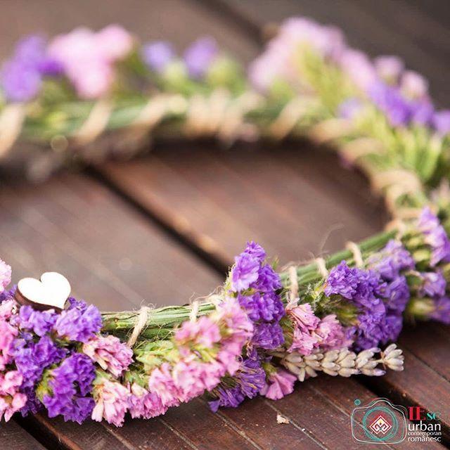 Coroniță de zână  #sezatoareaurbana #coronita #romania #creart #iesc #flower #flowerstagram #love Photo by IEsc