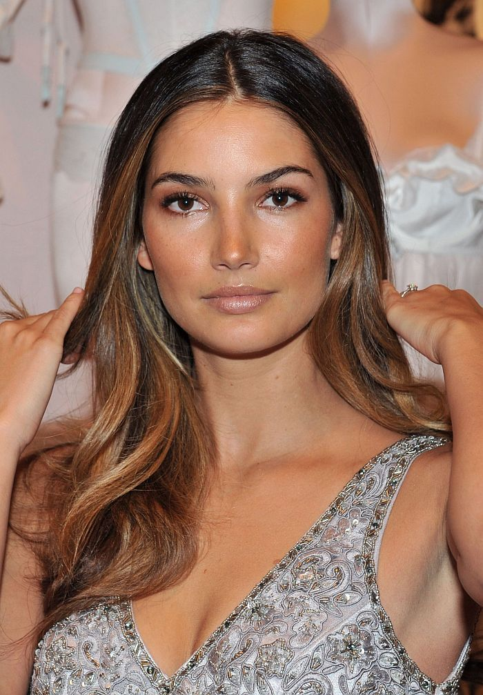 When it comes to who I am influenced by most when it comes to hair...and who got me back to what looks best, I'm most comfortable w/on me...will ALWAYS be Lily Aldridge. Is my hair usually in messy waves and ombre brown to blondish past my shoulders. Yep. Who made me feel good to be natural again? Yep, this lady.