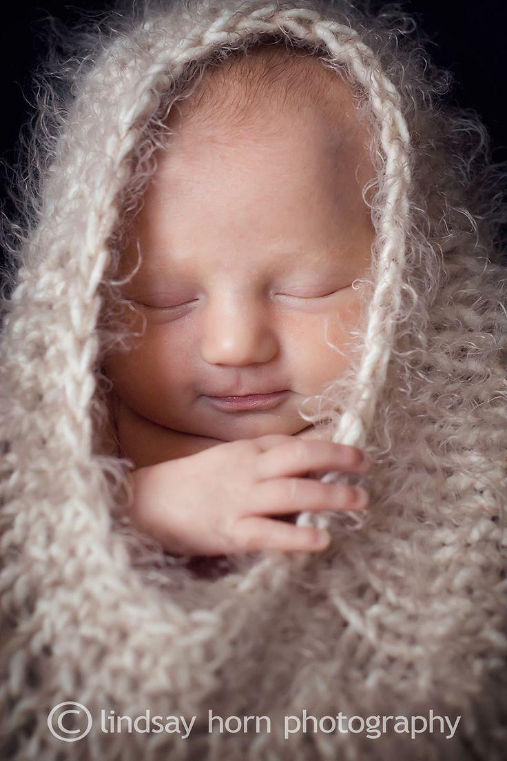 Google Image Result for http://lindsayhorn.files.wordpress.com/2009/10/alanna-swartz-newborn-297adj-web.jpg