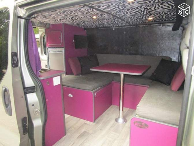 id e am nagement meuble int rieur camping car challenger. Black Bedroom Furniture Sets. Home Design Ideas