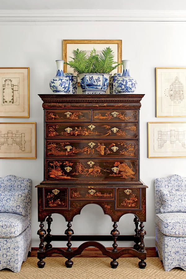 How To Master Classic Georgian Style: Tall Dark-Wood Chest