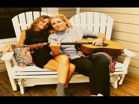 ► Christian Mom Blogger Glennon Doyle Melton Reveals She's Dating Soccer...
