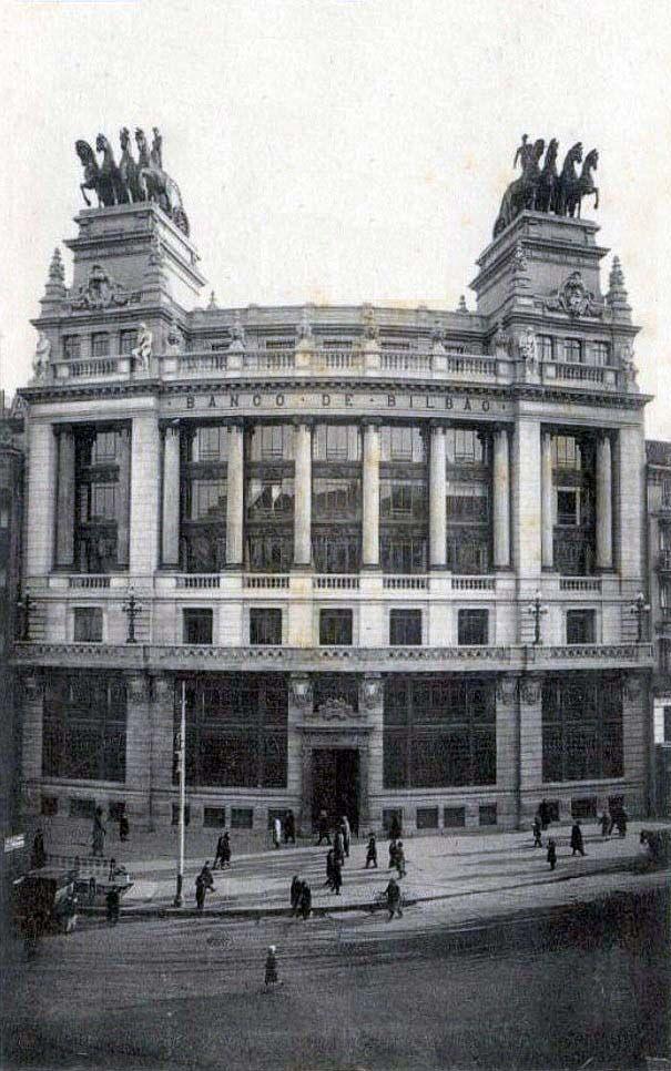 Banco de Bilbao en calle Alcalá, Madrid - Portal Fuenterrebollo