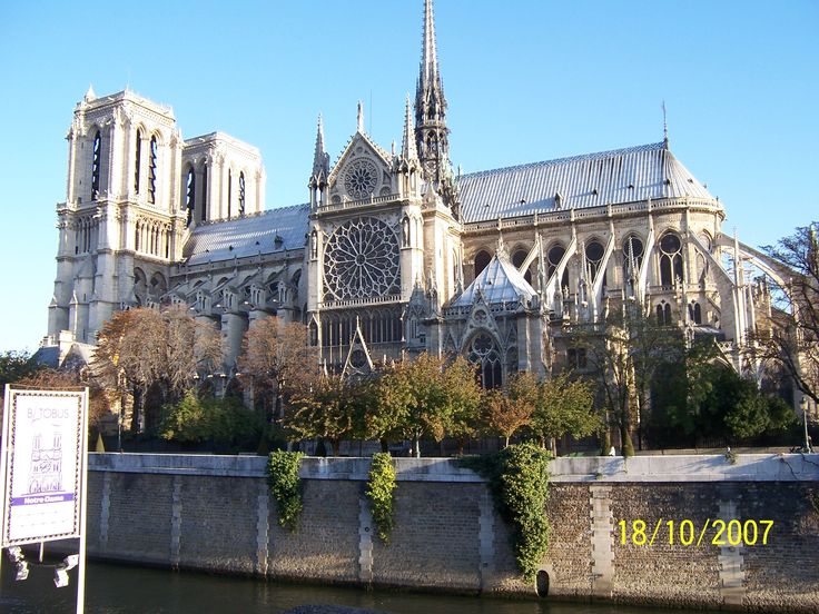 Notre Dame, Ile de la Cite, downtown Paris, on a perfect (northern hemisphere) Autumn day.