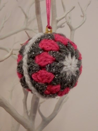 4 x HAND CROCHET CHRISTMAS TREE ORNAMENTS - SPARKLY BAUBLES SET
