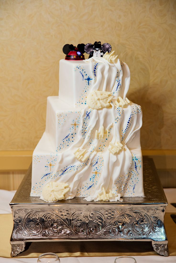 half and wedding cake star wars 535 best images about wedding cake wednesday on 15044