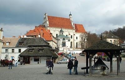 Rynek (Market Square), Kazimierz Dolny, Poland (2007)