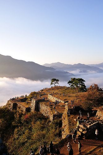 Castle in the sky, Takeda Castle, Hyogo Asago  Who knew there was a Machu Pichu in Japan!!!