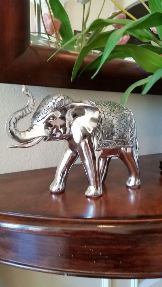 STUNNING SILVER ELEPHANT GOOD LUCK, FENG SHUI HOME DECOR