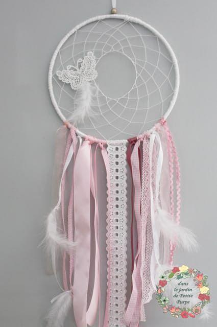 Le produit Attrape rêves naissance - Papillon poudré est vendu par Dans le jardin de Petite Purpe - Création de rêves dans notre boutique Tictail.  Tictail vous permet de créer gratuitement en ligne un shop de toute beauté sur tictail.com