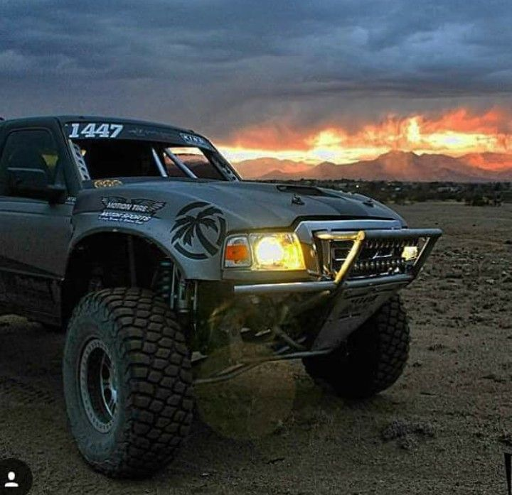 Pin By Meiklo Lopez On Trophy Truck With Images Custom Ford