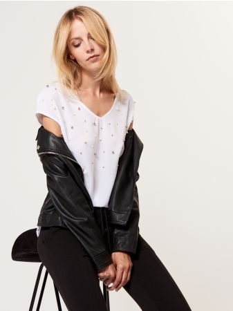 Mohito - Elegant blouse with artificial pearls