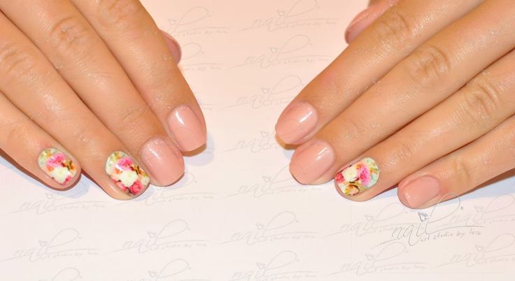 nails manicure  pink nude foil roses