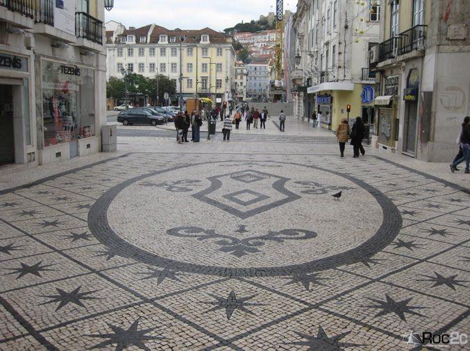 Padrão de estrelas em pedra preta formam belo tapete em Calçada à Portuguesa, próximo do Rossio na Baixa de Lisboapavimento rua augusta lisboa - Pesquisa Google
