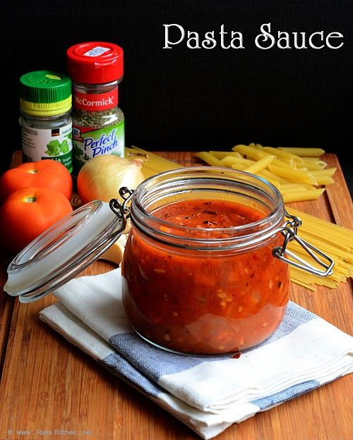 Homemade pasta sauce recipe with step by step pictures!