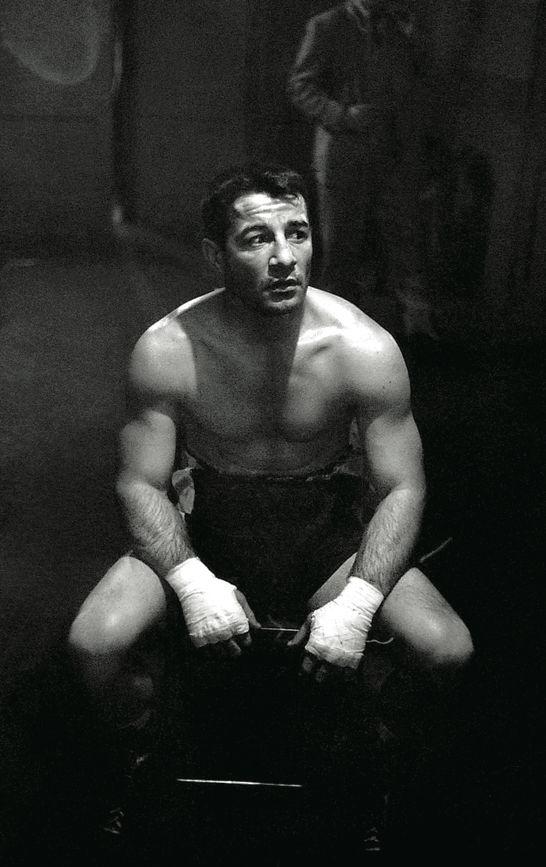 kvetchlandia:  Stanley Kubrick   Boxer Rocky Graziano, New York City   1949