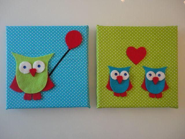 Schilderijtjes gemaakt van stof en vilt met 2 uiltjes. 20 x 20cm. Vrolijk op de kinderkamer ter decoratie.