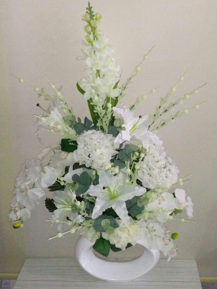 Isparta Yiğitbaşı Çiçekçilik ile yapay orkide şebboy ve ortancalar ile hazırlanan yapay çiçek aranjmanı gönderimi yapabilirsiniz, http://www.ispartacicekci.com/yc-100-yapay-cicek-orkide-lilyum-ortanca-sebboy-seramik-vazo