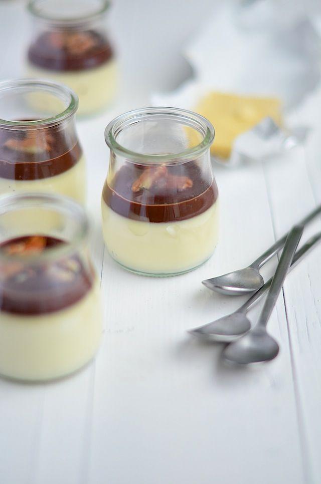 witte chocolade panna cotta #christmas dessert with white chocolate panna cotta with ganache and caramelised pecans