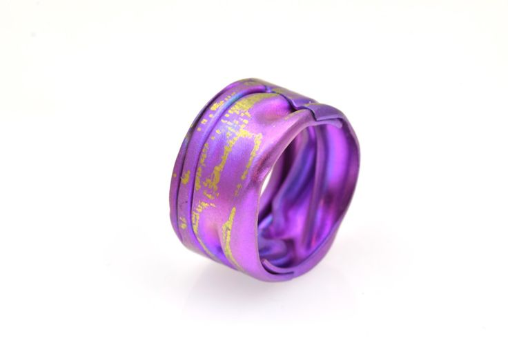 New to Giampouras on Etsy: Anodized Titanium Band Ring Band Ring Unique Ring - Recycled ring - Purple Ring Giampouras Collections (94.50 EUR)