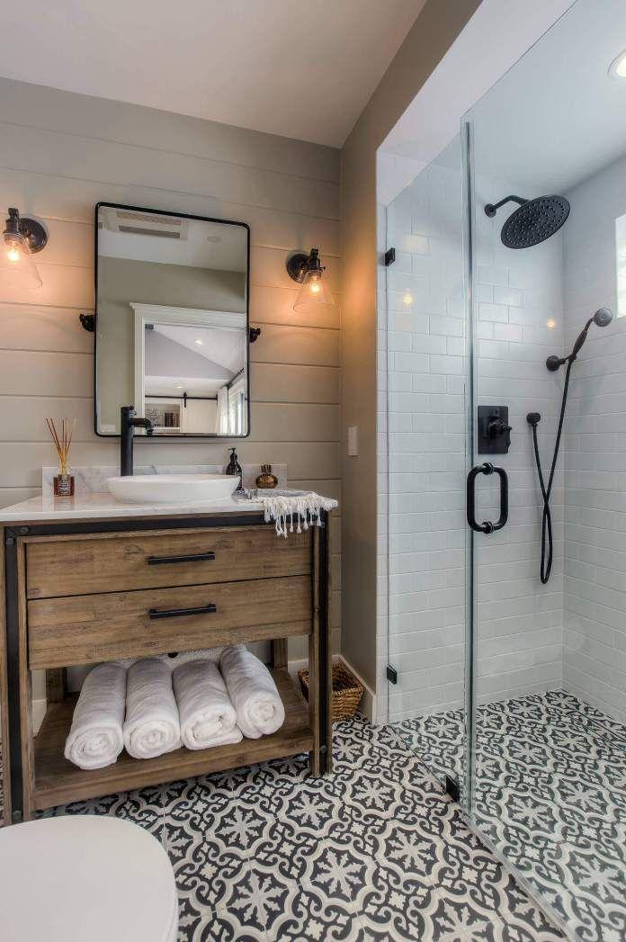 20 Best Transitional Bathroom Ideas Designs For 2020 In 2020 Patterned Bathroom Tiles Bathroom Farmhouse Style Small Farmhouse Bathroom