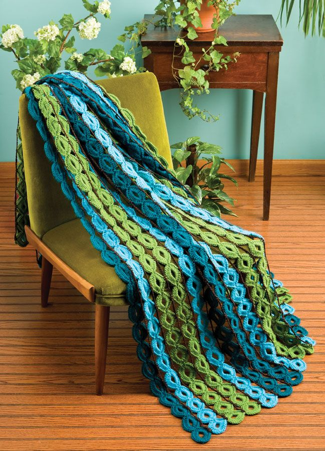 Crochet World shares a free pattern for this really interesting afghan entitled Rings and Things. Although I would make this in a different colour mix, isn't this such different stitch!