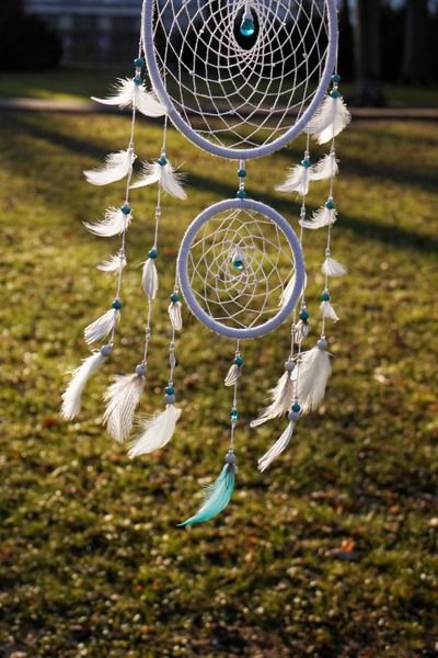 White dream catcher with blue elements - Makiri