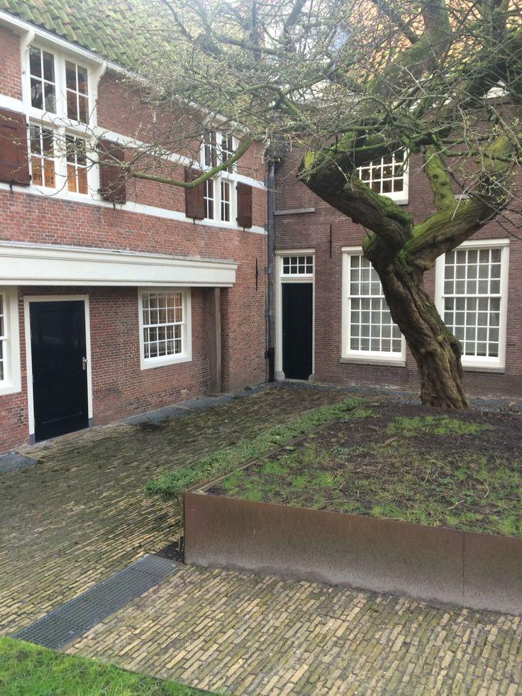 Zuiderzee binnenmuseum Enkhuizen. Binnentuin.