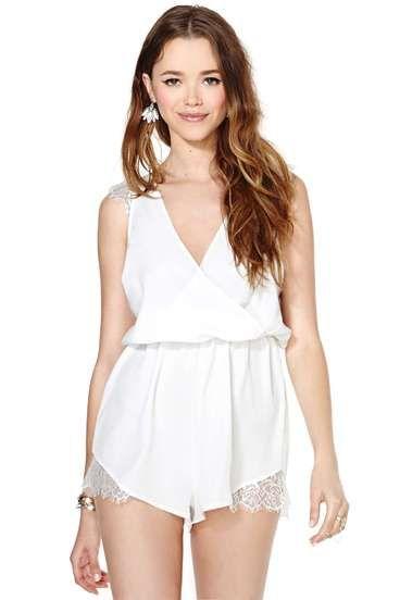 White V Neck Sleeveless Lace Jumpsuit wannt itt
