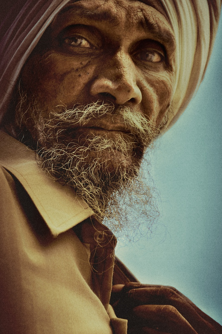 ♂ Man portrait face of an old man with beard by Malte Pietschmann.  Never thought of the impact a turban has for sikh etc. portraits.