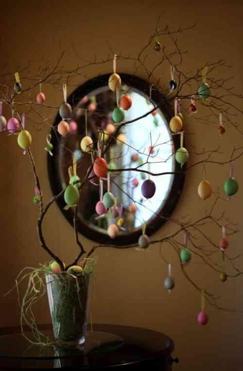 décoration intérieure vue d'un petit arbre de Pâques