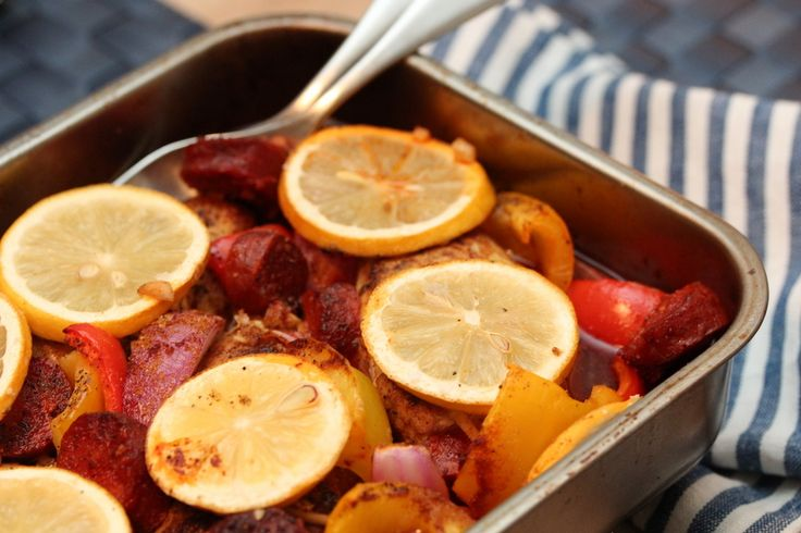 Chicken with chorizo, bell pepper and lemon