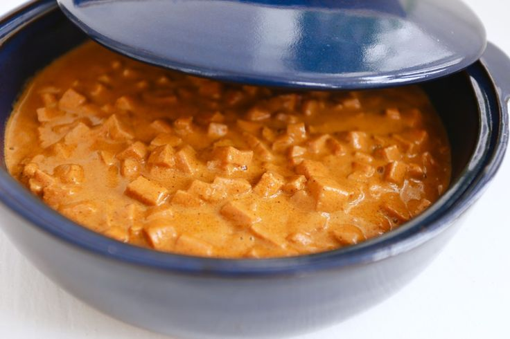 Smidigt och uppskattat middagstips, speciellt för de små. Härligvardagsmat när den är som godast. Gillar nimajs är det gott att vända ner en sådan burk i grytan också. Det här behöver du: smör 400 gram falukorv ( 1 finhackad lök ) – kan uteslutas 1 1/2 dl kallt vatten 1/2 … Läs mer