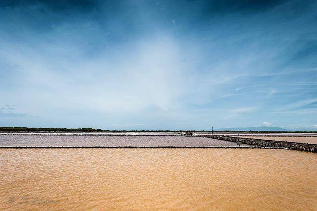 Salinas, Baní República Dominicana #piccelphoto #arqjuanliriano #landscape #nature #naturaleza #nikon #nikkor #paisaje #republicadominicana #bani #dominicanrepublic #peravia #salinas #minadesal #colores #salt #agua #water #montereylocals #salinaslocals- posted by Juan Raul https://www.instagram.com/arqjuanliriano - See more of Salinas, CA at http://salinaslocals.com