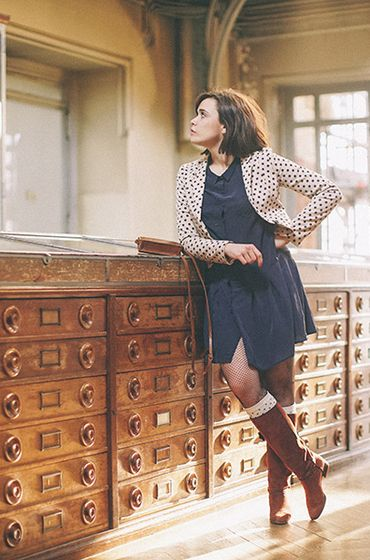 Happy Friday #85 | Make my lemonade - Robe bleue, veste à pois, bottes cuir marron vintage / blue dress, polka vest and brown leather boots