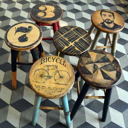 #TABURETE #vintage ilustrado. Alto: 48 cm. Ancho asiento: 25 cm. Ancho patas: 29 cm. 64€ c.u. #vanderwood