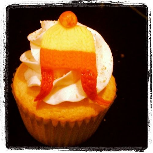 The iconically ugly Jayne Cobb hat cupcake
