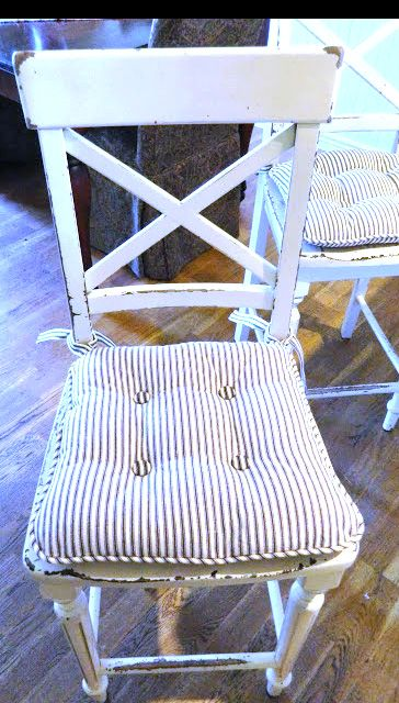 fabric chair pad tutorial and what a great chair!!!