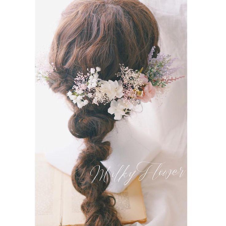 * ブーケに合わせたフラワーヘッドアクセサリー🕊 * * ゆるっとアレンジしたヘアに小花をさして、ナチュラル花嫁さまに♡ * * 秋のウェディングにたくさんのオーダーを本当にありがとうございます(*´꒳`*) ひとつひとつ心を込めてお作りさせていただきます♡ * * #ウェディング#ウェディングヘア #ウェディングアクセサリー #ウェディングヘアアクセサリー #ヘッドアクセサリー#ヘアアクセサリー#ヘアパーツ#花嫁#プレ花嫁#ウェディングドレス#カラードレス#ナチュラルウェディング#ガーデンウェディング#髪飾り#花飾り#ヘッドドレス#ヘアアレンジ#結婚式#結婚式コーデ #結婚式準備 #結婚式写真 #結婚式ヘア #ウェディングフォト#前撮り#海外挙式
