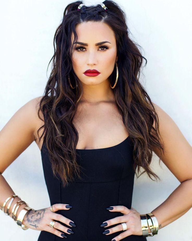 "127.8 mil Me gusta, 1,934 comentarios - Demi Lovato (@ddlovato) en Instagram: ""@angelokritikos at it again with the """