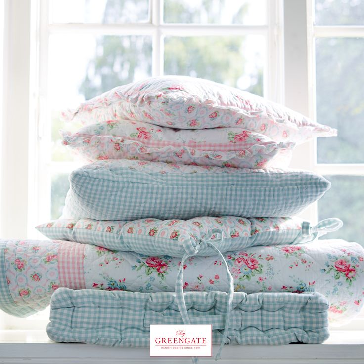 Our romantic design Abelone is a celebration for the classic Greengate design…