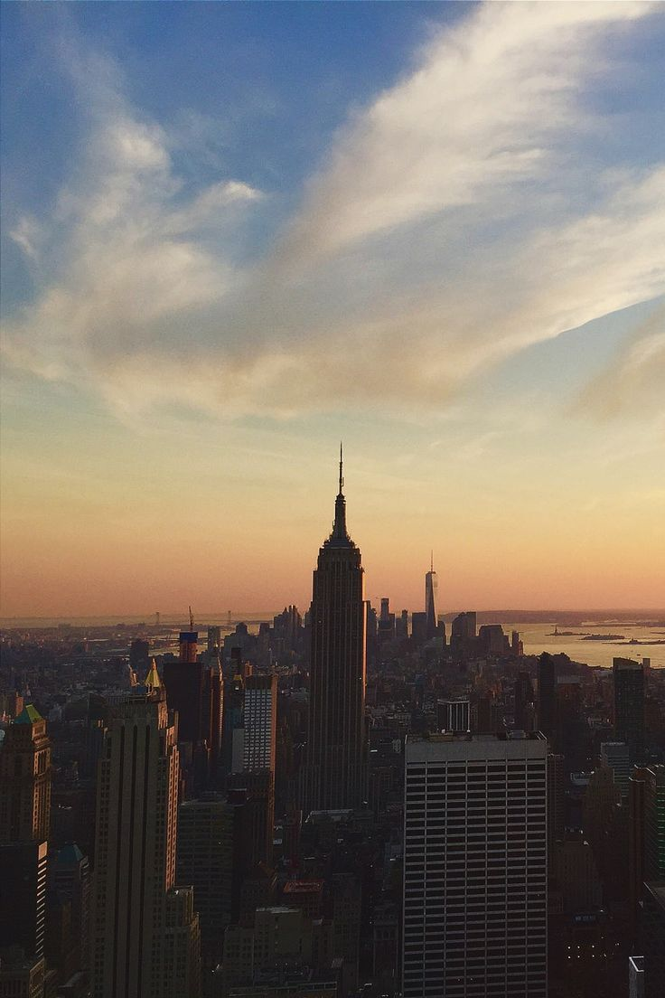A Beautiful Evening in NYC by Leo Hattenbach by newyorkcityfeelings.com - The Best Photos and Videos of New York City including the Statue of Liberty Brooklyn Bridge Central Park Empire State Building Chrysler Building and other popular New York places and attractions.