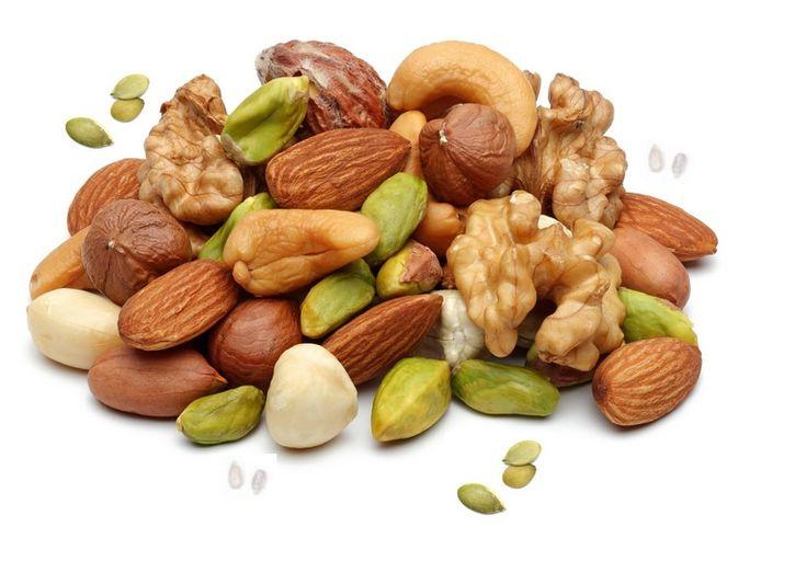 Orzechy i nasiona stanowią część mojej diety- są źródłem witaminy E, która działa, jak ochraniacz nerwów i poprawiający odporność przeciwu...