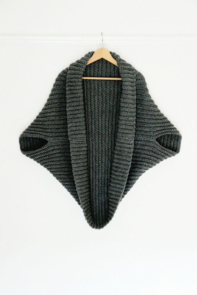 Simple Crochet Shrug - Free Pattern