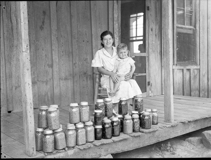 Loans help destitute farmers in Batesville, Arkansas – [great film & 1934 photos]. Near Batesville, Arkansas June 1936